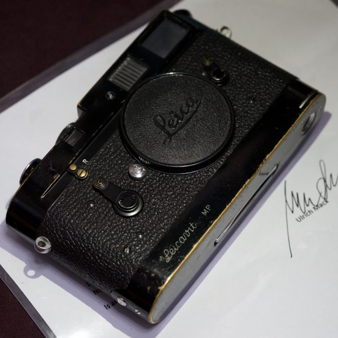 "大珍品 Leica M4 with Leicavit MP black paint ""Ulrich Mack"""