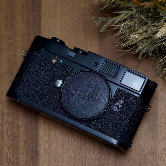 "大珍品 Leica M2 Black Paint ""First batch"" x ""Non self timer"""